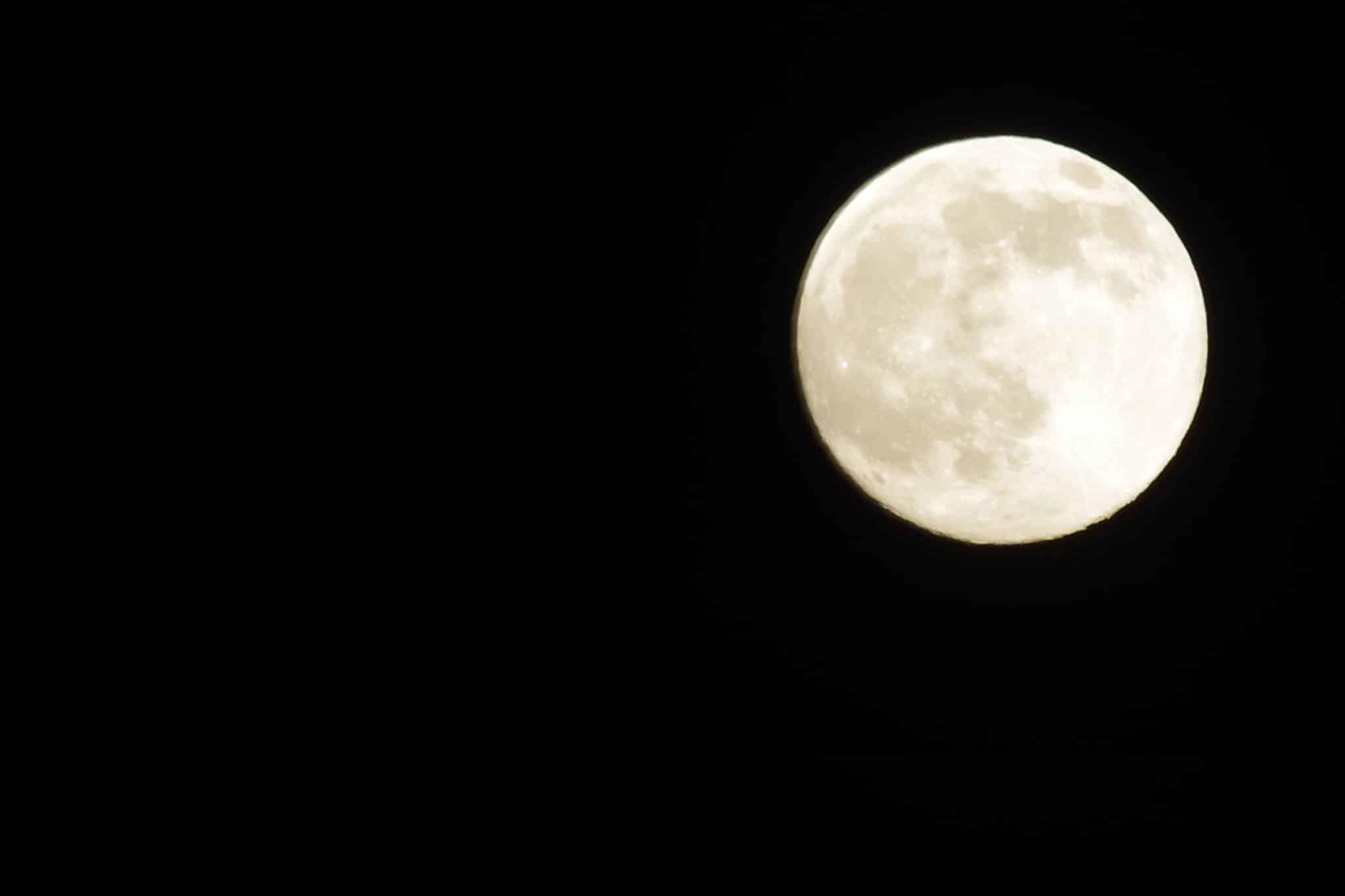 Mond in der Nacht über Grimming - Blick von Sonnenalm Bad Mitterndorf
